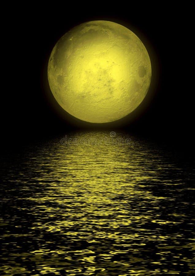 Lua cheia refletida na água imagens de stock