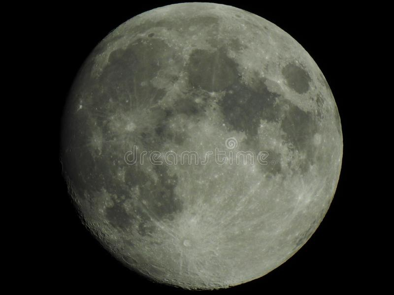 Lua clara no enceramento gibbous fotos de stock royalty free
