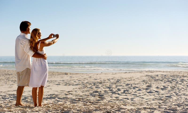 Lua de mel da praia do verão fotos de stock royalty free