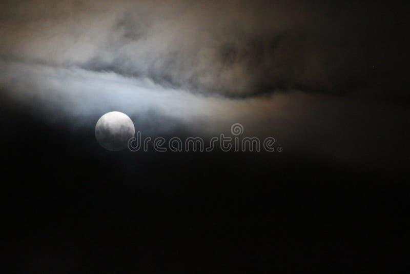 Lua e nuvens fotos de stock royalty free