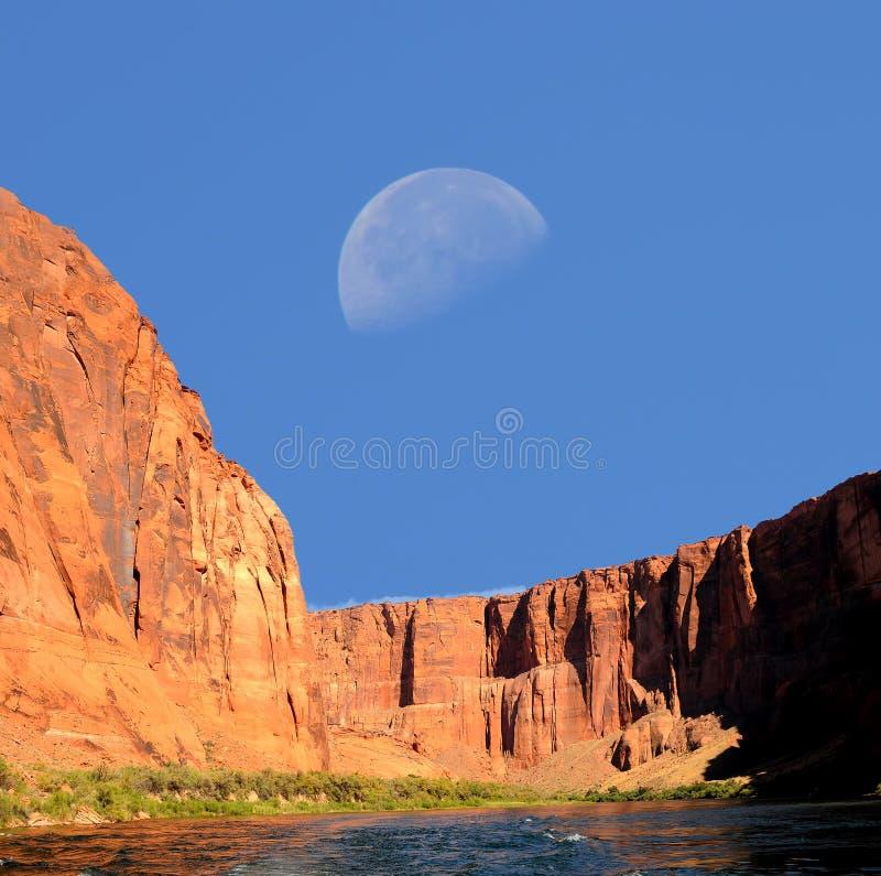 Lua e o Rio Colorado foto de stock