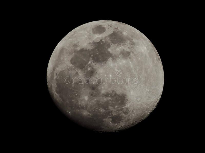 A lua está aproximando a conclusão fotos de stock