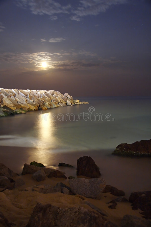 Lua na praia imagens de stock royalty free