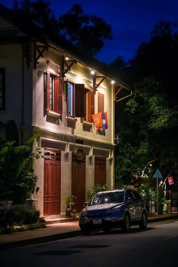 Luang Prabang, Laos - circa agosto 2015: Vie di Luang Prabang di notte immagini stock