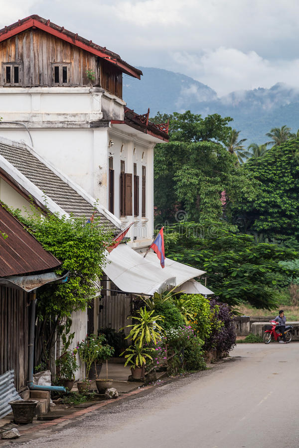 Luang Prabang, Laos - vers en août 2015 : Rues de Luang Prabang, Laos photographie stock