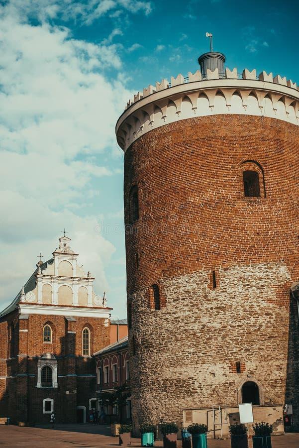 Lublin królewski grodowy podwórze z kaplicą Święta trójca i utrzymanie donżon Gotyk, romańszczyzny architektura t?a torby paszpor zdjęcie stock