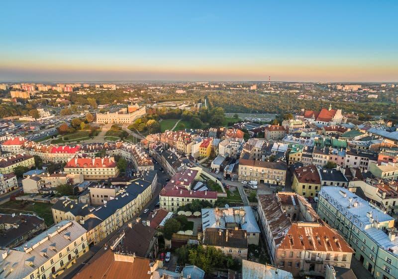 Lublino - la vecchia città dalla vista dell'occhio del ` s dell'uccello, con il castello visibile e la via di Kowalska fotografie stock