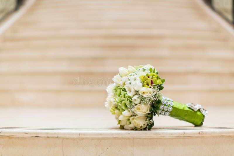 Download Ślubny bukiet obraz stock. Obraz złożonej z ustawiony - 28974619
