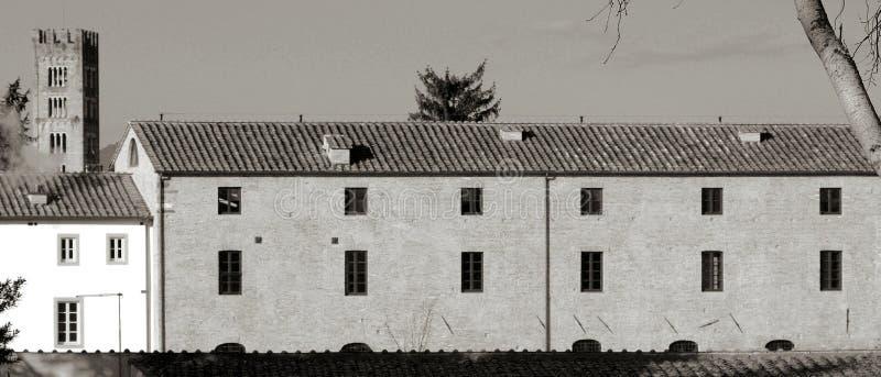 Luca Toscanië die Italië kenmerk verkort tekenen stock foto's