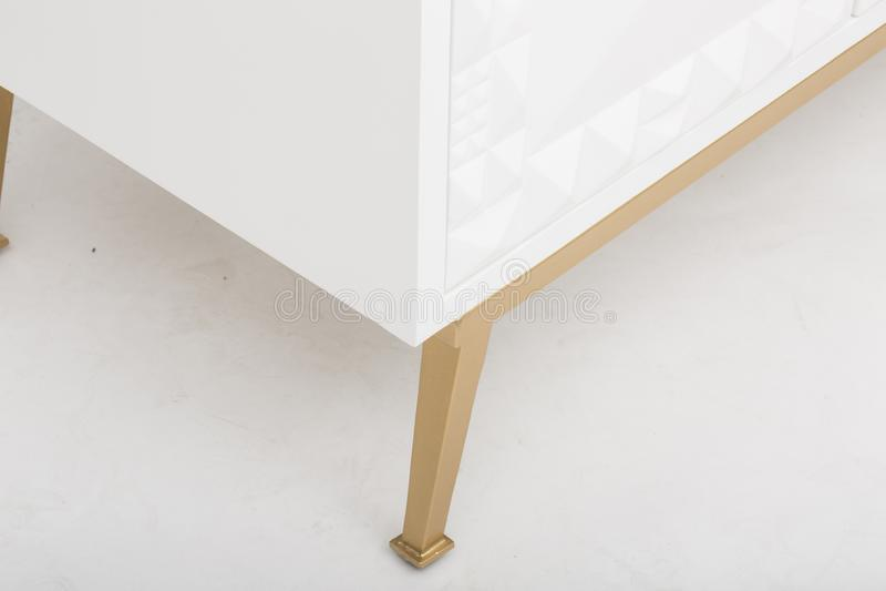 Lucas Sideboard   Rove Concepts, unit? bianca di spettacolo di 6 cassetti TV, apprettatrice del cassetto di Mateer 6 con l'immagi fotografia stock