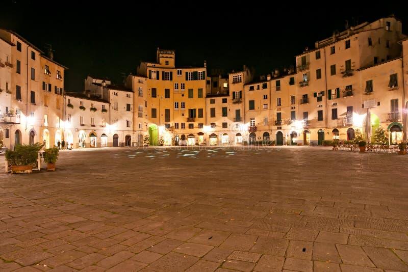 Lucca - piazza Anfiteatro fotografia stock libera da diritti