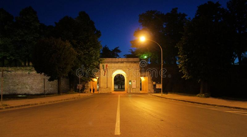 Lucca Toscana Italia che ritrae in prospettiva caratteristica immagini stock libere da diritti