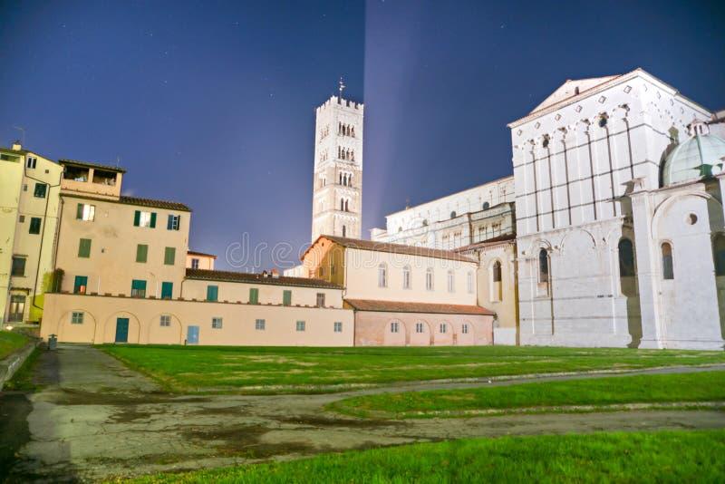 Lucca - vista della cattedrale della st Martin. fotografie stock libere da diritti