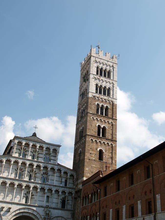 Lucca - vista della cattedrale della st Martin fotografie stock libere da diritti