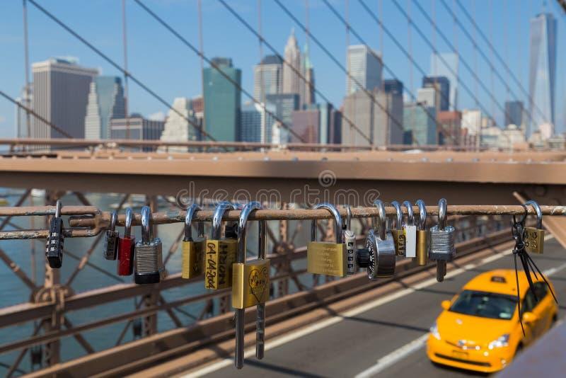 Lucchetti sul ponte di Brooklyn immagini stock libere da diritti
