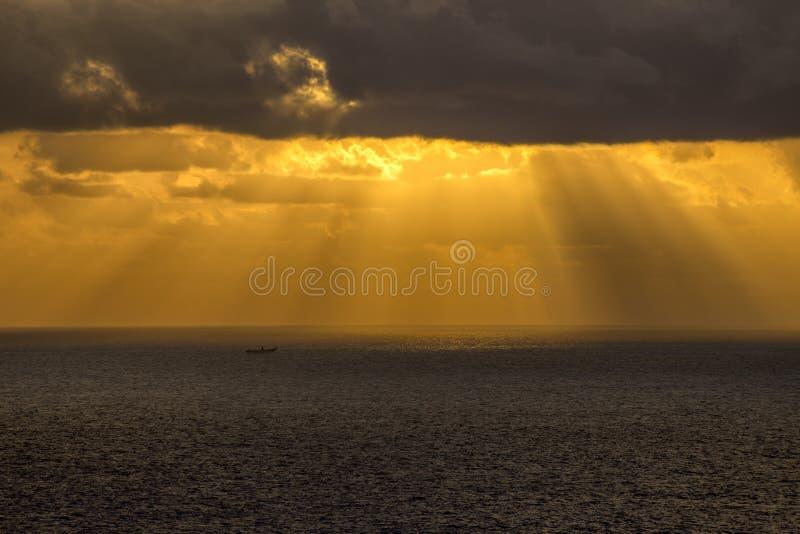 Luce celeste al mare immagini stock libere da diritti