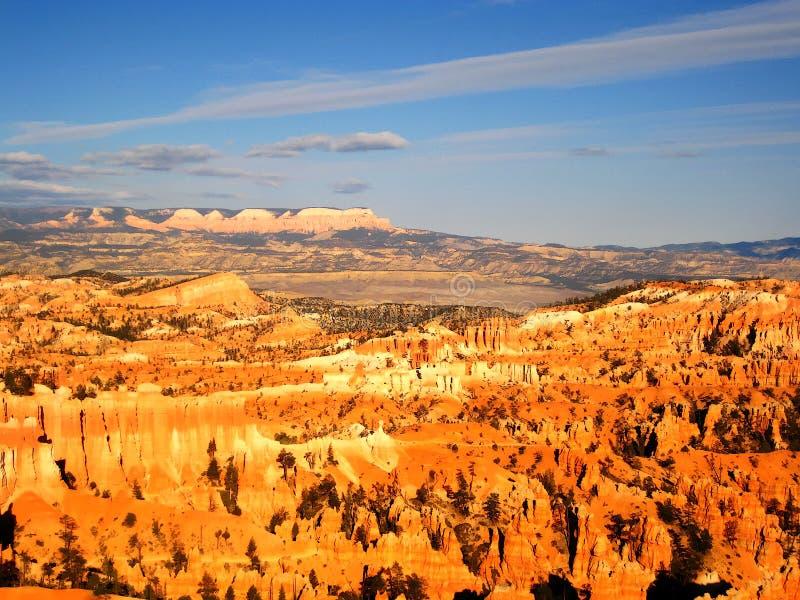 Luce del canyon di Bryce di mattina (U.S.A.) immagini stock