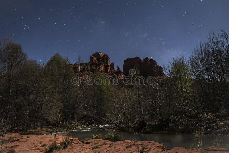 Luce della luna della roccia della cattedrale immagine stock