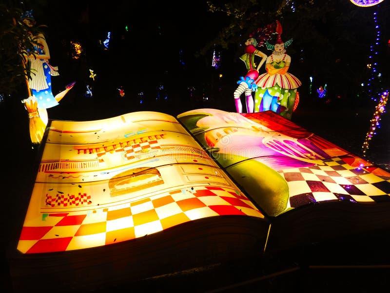 Luce di Natale artistica in Salerno, Italia fotografia stock libera da diritti
