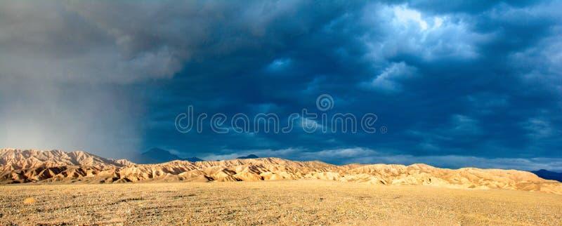 Luce di Sun della tempesta di sabbia del Mojave immagine stock libera da diritti