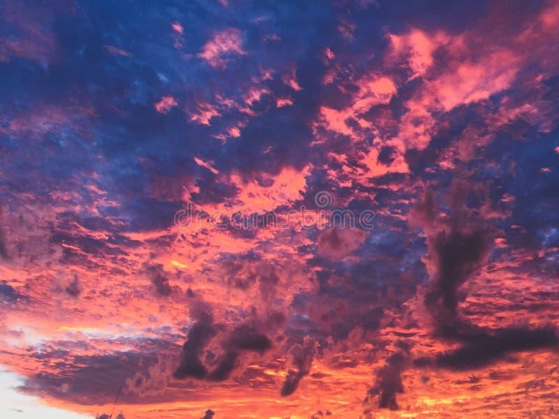 Luce di Sun sulle nuvole immagini stock libere da diritti