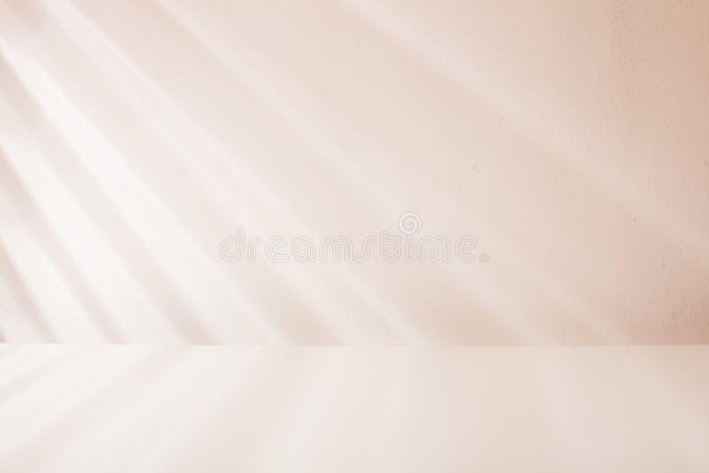 Luce di veneziana sulla parete fotografia stock