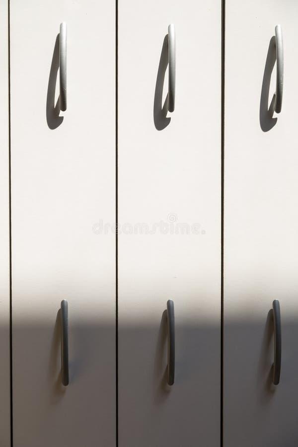 Luce ed ombra con le linee verticali fotografia stock libera da diritti