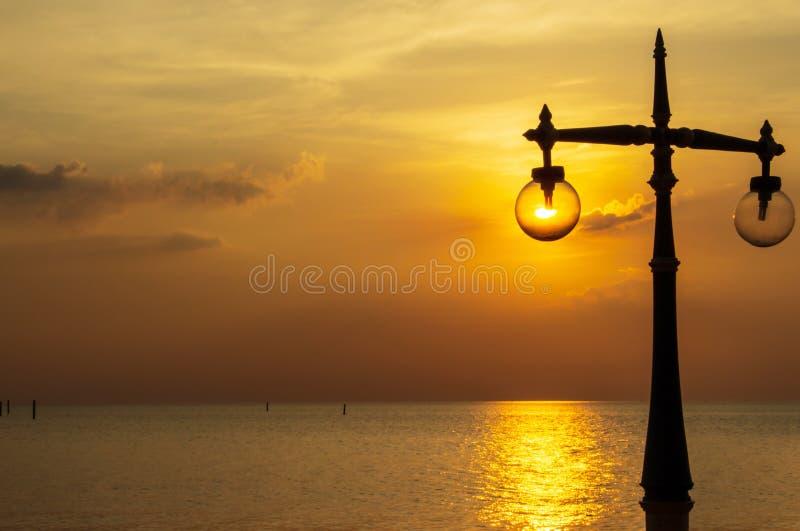 Luce falsa della lampada della spiaggia fotografie stock
