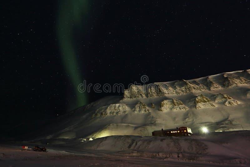 Luce polare sulle Svalbard immagini stock libere da diritti