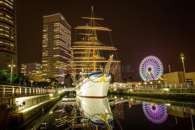 Download Luce Splendida Di Minatomirae Immagine Stock - Immagine di notte, cityscape: 55353437