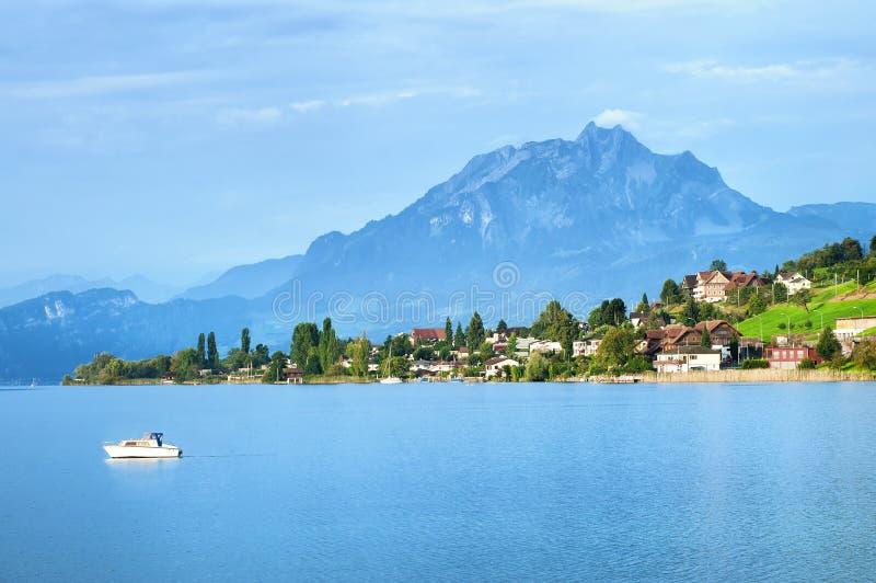 Lucerne sjö, Schweiz royaltyfri foto