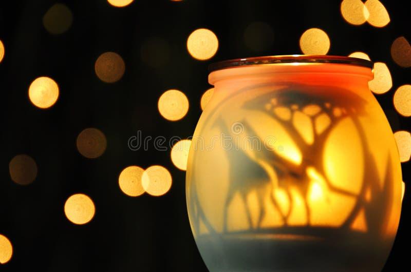 Luces chispeantes amarillas suaves abstractas de la noche fotos de archivo