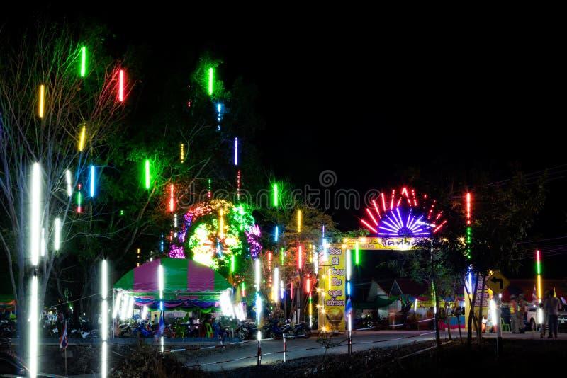 Luces coloridas en el templo fotografía de archivo