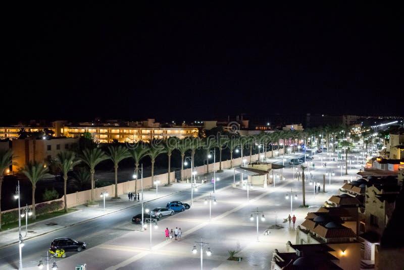 Luces de calle de la noche Hurghada, Egipto foto de archivo libre de regalías