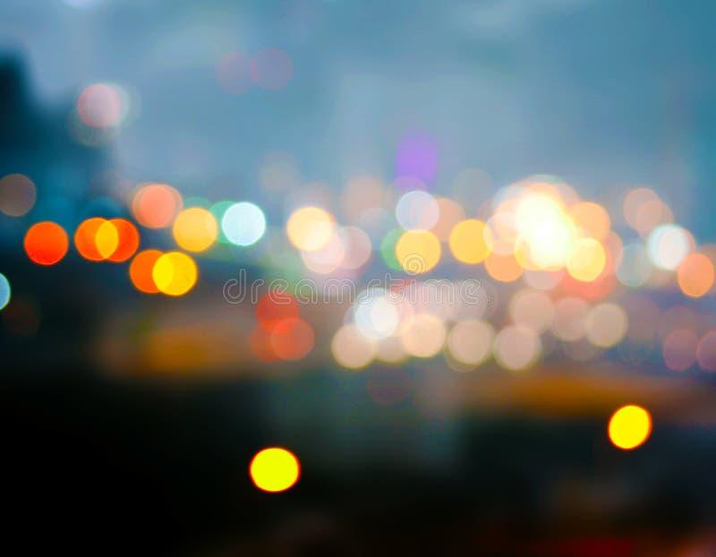 Luces de la ciudad en el amanecer fotografía de archivo libre de regalías