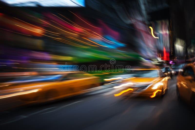Luces de la iluminación y de la noche de New York City foto de archivo