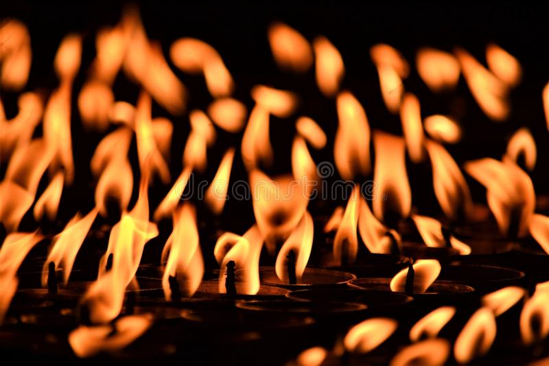 Luces de la mantequilla en Boudha/Katmandu imagen de archivo libre de regalías