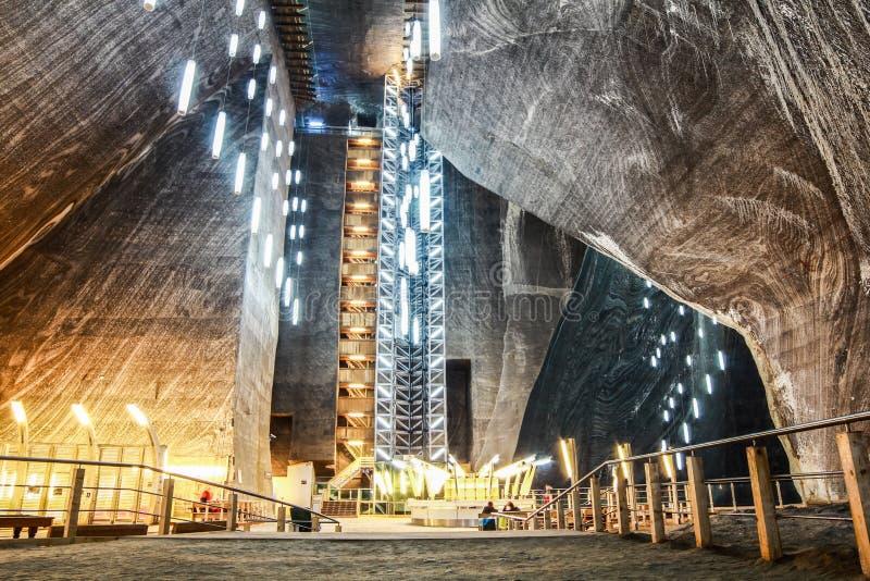 Luces de la mina de sal de Rumania Turda imagen de archivo libre de regalías