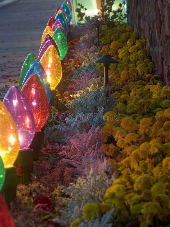 Download Luces De La Navidad De Gran Tamaño Foto de archivo - Imagen de desierto, bulbo: 1292140