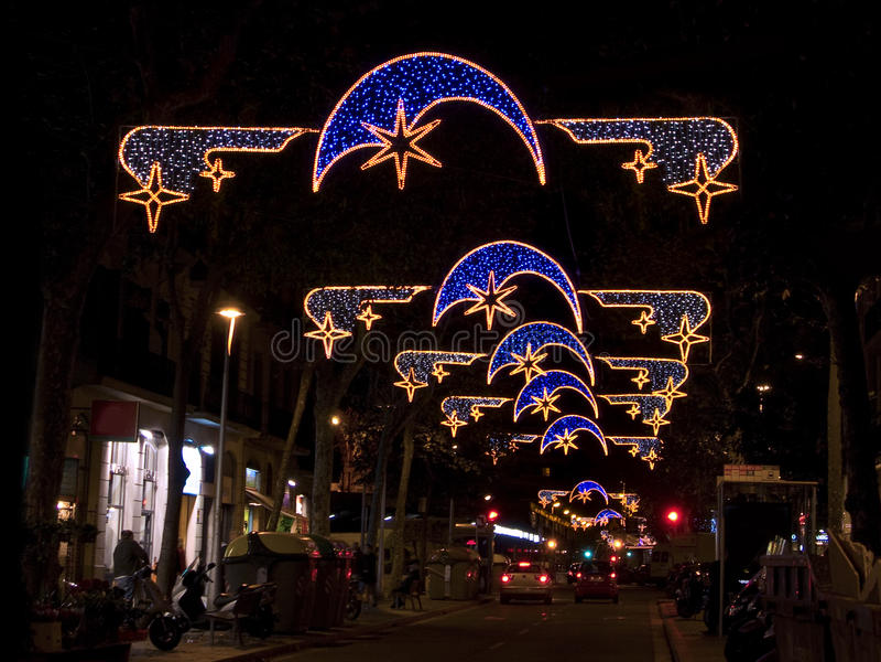 Luces de la Navidad en la calle de Barcelona fotografía de archivo