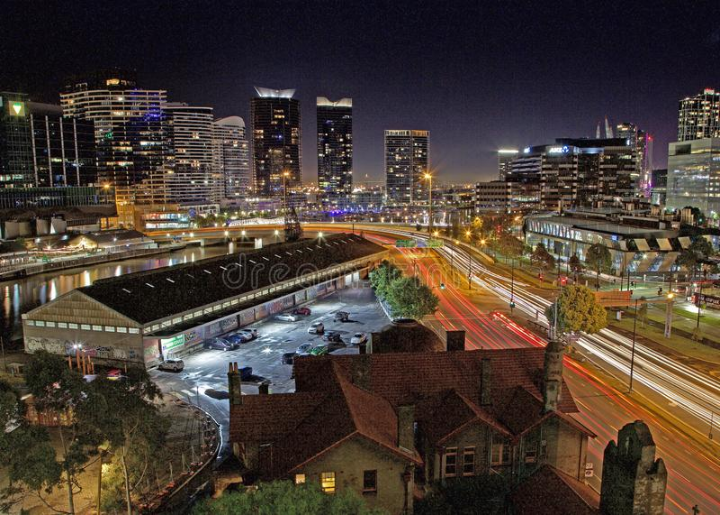Luces de la noche del tejado en Melbourne imagen de archivo