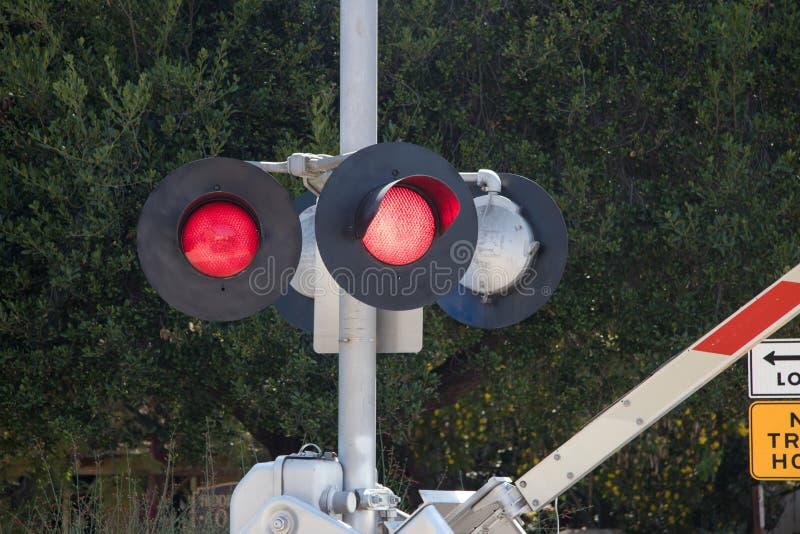 Luces de la travesía de ferrocarril imagen de archivo libre de regalías