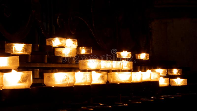 Luces de la vela fotos de archivo libres de regalías