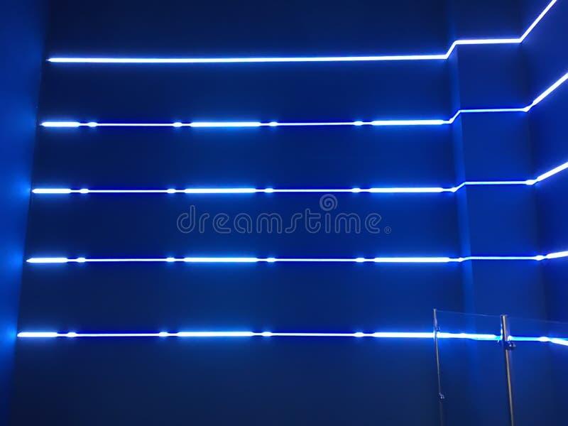 Luces de neón azules imagenes de archivo
