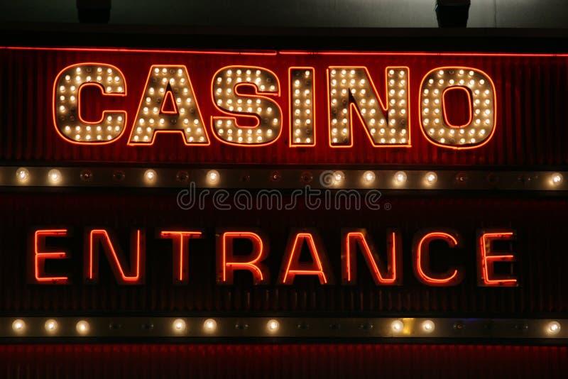 Luces de neón de la muestra del casino imagenes de archivo