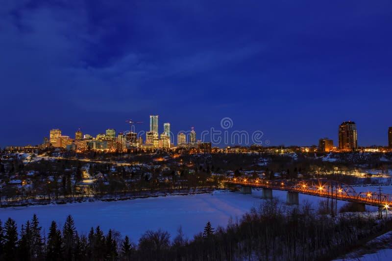 Luces de River Valley y de Edmonton foto de archivo libre de regalías