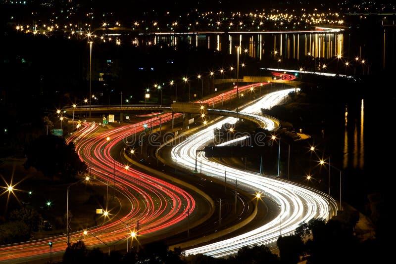 Luces del camino de ciudad de Perth de la noche imagen de archivo libre de regalías