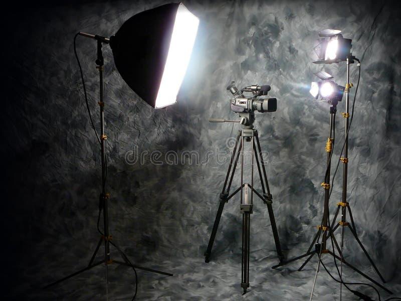 Luces del estudio y cámara de vídeo de Digitaces fotos de archivo