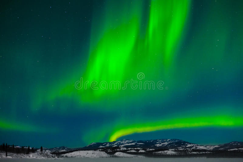 Luces norteñas (borealis de la aurora) fotos de archivo libres de regalías