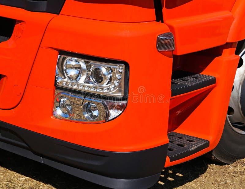 Luces principales de un camión fotos de archivo libres de regalías
